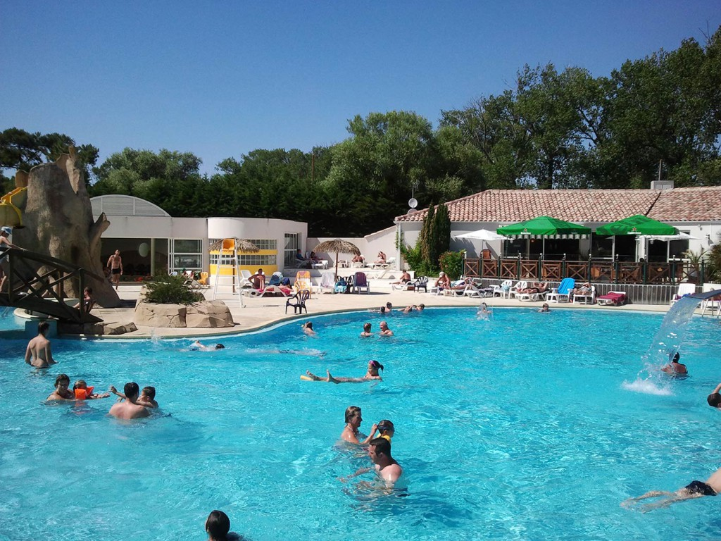 Espace aquatique camping saint jean de monts la yole for Camping piscine vendee