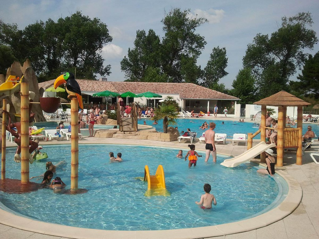 Espace aquatique camping saint jean de monts la yole for Piscine st meen le grand