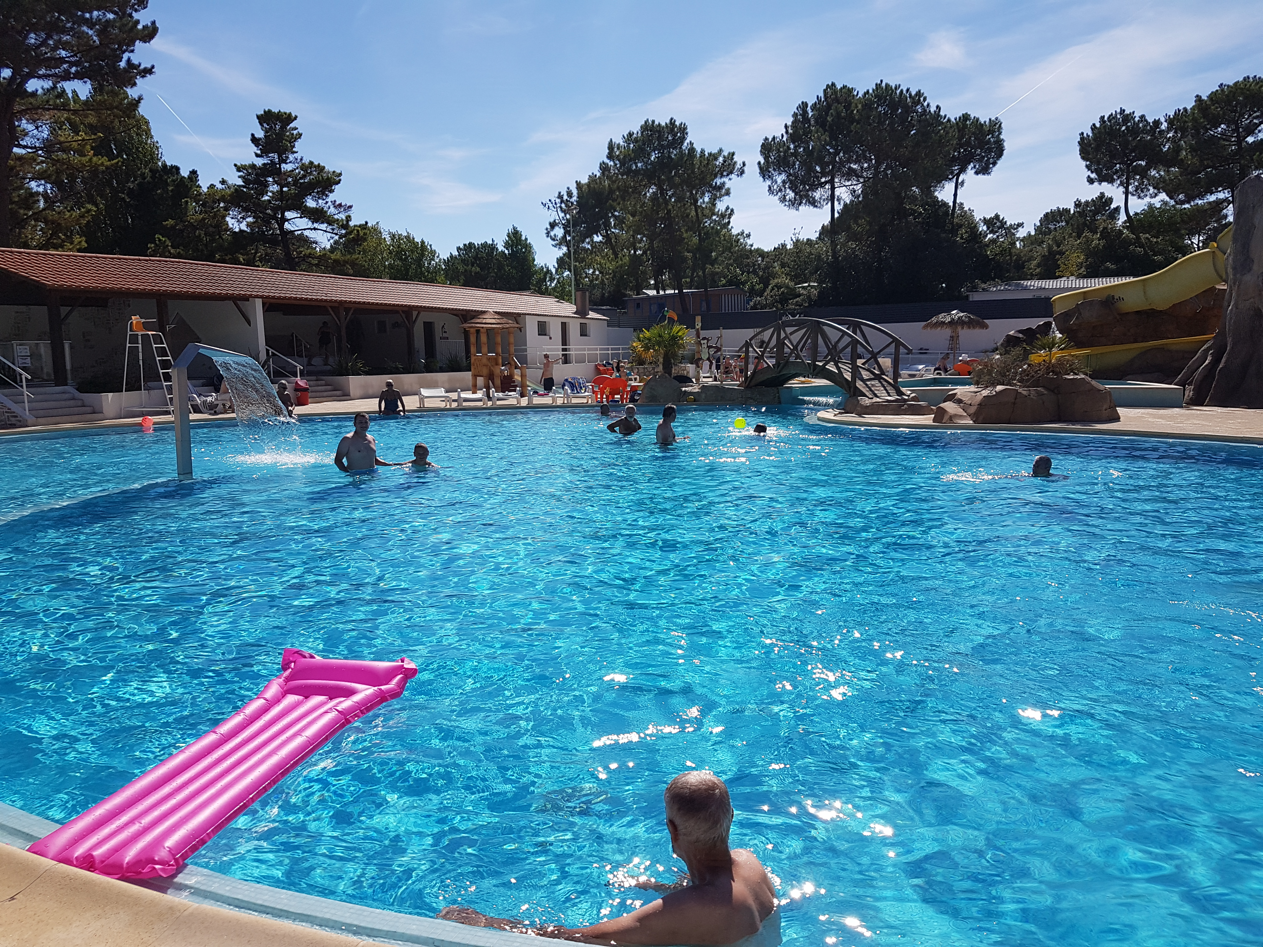Campsite 4 stars with covered swimming pool in saint jean for Piscine st jean de mont